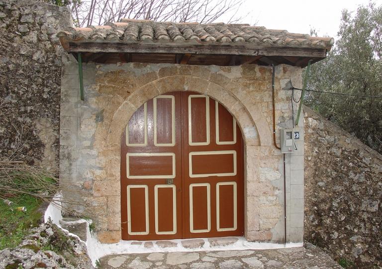OLD-DOOR-FINIKI-THESPROTIA